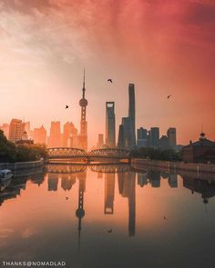 #ShangrilaDestinations: Experience Shanghai's morning glow as it glistens across the skyline at dawn. : @nomadlad via @pudongshangrila. #ShangriLaSummer . ☀️Find out our #SummerOffer with the link in our bio.☀️ . #Shangrilahotels #Pudongshangrila #Shangrila #Shanghai #sunrise #dawn #summer2017 #wheretogo #summerholiday #summertrip #view #travel #vacation #wanderlust #adventure #travelgram #instatravel #travelphotography