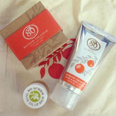 The next time you treat yourself to an at-home spa day, or just when you want a little beauty pick-me-up try going organic. And try the Organic Hydrating Spa Gift Set from Bambeco in blood orange. It is a natural beauty gift set from the sustainable and stylish brand Bambeco.  - See more at: http://www.fitandfabliving.com/lifestyle/8011-organic-hydrating-spa-gift-set-from-bambeco#sthash.zHA1WG9L.dpuf