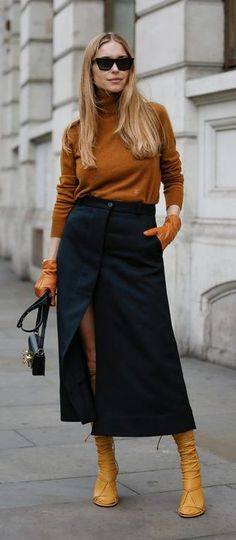 London. Muted Colors, Timeless Fashion, Fall Looks, Ruffles, Ready To Wear, Girl Fashion, Chic, Street Style, Style Inspiration