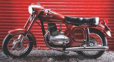 Výsledek obrázku pro motorcycles cz and jawa Moto Jawa, Moto Bike, Yezdi Roadking, Pink Dirt Bike, Mountain Bike Clothing, Mountain Bike Helmets, Bike Photoshoot, Electric Mountain Bike, Best Mountain Bikes