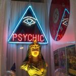 What does psychic reading mean? What is a cold reading in psychic reading? What is psychic power? What is a mediumship reading? What is Psychometry readings Psychic Chat, Love Psychic, Online Psychic, Psychic Powers, Psychic Abilities, Lectures Psychiques, Pseudo Science, Psychic Mediums, Tarot Readers