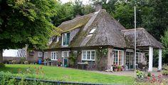 Boerderij met koetshuis, de Lutte ©Wammes Waggel (wikipedia user)