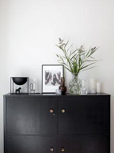great for a bar cabinet DW_falldecoration av Scandinavian Style, Scandinavian Interior, Cozy Bar, Estilo Interior, By Lassen, D House, Ideal Home, Home Decor Inspiration, Home Fashion