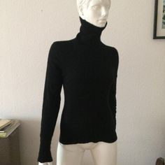 Woman 100% cashmere turtleneck pullover small size vintage knitted sweater size S