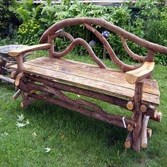 Nice lines on this rustic bench, I am going to be looking closer the the driftwood or fallen branches I find, I just may have to try this Twig Furniture, Garden Furniture, Outdoor Furniture, Outdoor Decor, Outdoor Art, Outdoor Projects, Garden Projects, Wood Projects, Jardin Decor