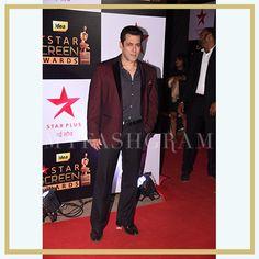 Salman Khan at Star Screen Awards 2016