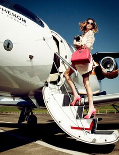 One of my secret dream: to look like a diva ready on the stair of the airplane