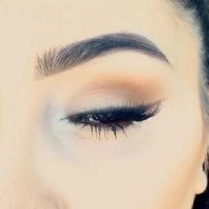 39 Easy Eyeshadow Looks - Natural Winged Eye - Natural And Simple Step By Step Tutorials on How to Apply to the Brows and Lashes - Makeup Tricks, Make up for Eyebrows, and Beauty looks Similar to Linda Hallberg - https://www.thegoddess.com/eyeshadow-tutorials-for-beginners/