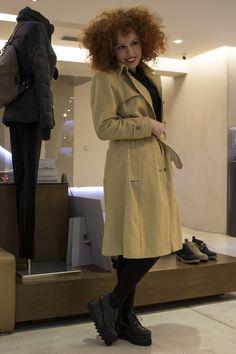 Η Σοφία Κουρτίδου επιλέγει παπούτσια από την εταιρεία Sagiakos μας για τις εμφανίσεις της στο Βοτανικό Plus! Μπες στο sagiakos.gr για να δεις περισσότερα! Celebs, Coat, Jackets, Fashion, Celebrities, Down Jackets, Moda, Sewing Coat, Fashion Styles