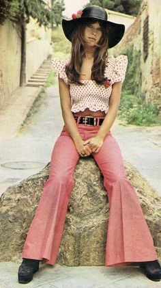 I had a blouse like this and those fruit pins that were in fashion in the early 1970's !