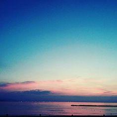 【seaofkyoto925】さんのInstagramをピンしています。 《休みの人も仕事の人も今日も1日お疲れ様でした✨明日からまた頑張りましょう😃 夕日ヶ浦海岸より てか今夜って確かなんとか流星群やっけ?w #夕日ヶ浦 #夕日 #夕焼け #絶景 #景色 #京都 #海 #sea #kyoto #kyotojapan #ファインダー越しの私の世界 #写真好きな人と繋がりたい #photography #和食 #photo #photographer #japan #beautiful #welcome_kitakyoto #夜 #wp_japan #love #料理 #イルミネーション #カップル #instagram #instagood #お洒落 #お洒落さんと繋がりたい #instagram_japan》