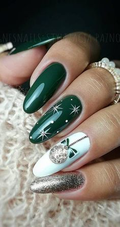 Holiday Acrylic Nails, Xmas Nail Art, Halloween Acrylic Nails, Christmas Nail Art Designs, Best Acrylic Nails, Acrylic Nail Designs, Christmas Design, Christmas Decorations, Christmas Gel Nails
