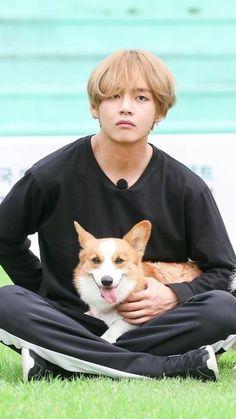 V & dog @BTS
