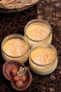 Hello ! Ca vous dit une recette réconfortante ? :) Toute douce … Comme il me restait un peu de lait de coco au fond du placard, je me suis dit que j'allais faire une petite crème desser…