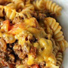This 5 star cheeseburger casserole is loved by everyone, including the cook ; Very easy to make, you'll have dinner on the table in no time, Beef Dishes, Food Dishes, Main Dishes, Tasty Dishes, I Love Food, Good Food, Yummy Food, Great Recipes, Favorite Recipes
