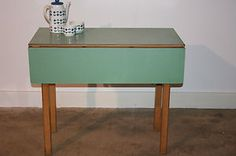 VINTAGE-RETRO-1950S-1960S-FORMICA-KITCHEN-DINING-TABLE