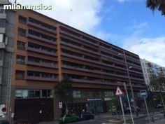 . Vendo bonito piso duplex, en el Residencial Marina Urbis, 150 m2 construidos, dos amplios dormitorios uno suite con vestidor, amplio sal�n, cocina equipada, dos ba�os , un aseo, plaza de garaje y trastero, tercera planta, materiales de 1� calidad, portero