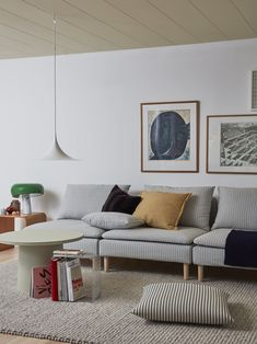 In the home of stylist Elin Odegard retro vibes, pinstripes and pops of colour are all the rage Söderhamn Sofa, Ikea Sofa, Ikea Furniture, Couch, Replacement Furniture Legs, Minimalist Scandinavian, High Quality Furniture, Decorative Cushions, Fashion Room