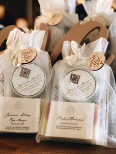 Natural cleaning soap and natural lotion bar in organza bag Unbelievable Natural cleaning soap and. Sugar Scrub Diy, Diy Scrub, Glycerin Soap, Castile Soap, Soap Display, Ayurvedic Herbs, Soap Packaging, Packaging Ideas, Soap Labels