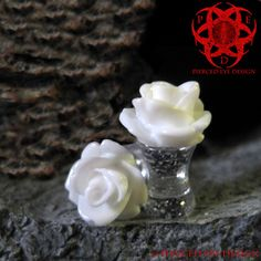 6g 4g 2g White Rose Glitter Ear Plugs Gauged by PiercedEyeDesign, $15.99