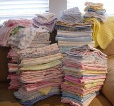 Humanitarian Helpers: Tiny Blankets Needed for Fetal or Newborn Demise Donations. Pinned because I wasn't sure what size I should be making these blankets.This says that 12 x 12 and 24 x 24 blankies are needed. Baby Patterns, Sewing Patterns, Quilt Patterns, Crochet Patterns, Service Projects, Service Ideas, Service Club, Sewing Crafts, Sewing Projects