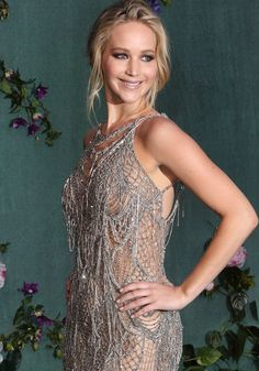 Jennifer looked flawless as she posed for the cameras