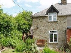 Moors Edge Cottage, Horrabridge, Yelverton, Devon. Pet Friendly Self Catering Holiday Accommodation in England. Accepts Dogs #WeAcceptPets