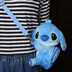 Take home a limited edition Lilo & Stitch Plush Messenger Bag We want you to have it off the original price! - This is perfect for any Lilo and Stitch Lover - Not Sold in Stores, these will sell o Disneyland Outfits, Disney Outfits, Disney Shirts, Disney Style, Disney Love, Disney Collection, Lilo Et Stitch, Cartoon Bag, Cute Stitch