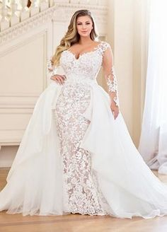 Is shopping for a plus size wedding dress causing you more stress and exhaustion than it is worth? You deserve to look your absolute best you your wedding day and if that means finding plus size wedding dresses that y. Plus Size Bridal Dresses, Plus Size Wedding Gowns, Best Wedding Dresses, Trendy Wedding, Wedding Ideas, Size 12 Wedding Dress, Wedding Dresses For Busty Brides, Summer Wedding, Mermaid Wedding Dress With Sleeves