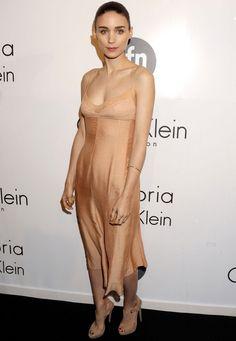 #RooneyMara · #Cannes2013 · Vestido #CalvinKlein y zapatos de #Prada