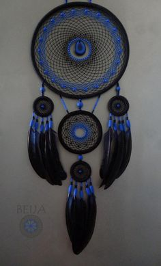 Dream Catcher Bedroom, Dream Catcher Decor, Blue Dream Catcher, Beautiful Dream Catchers, Dream Catcher Drawing, Making Dream Catchers, Dreamcatcher Wallpaper, Feather Wall Decor, Indian Arts And Crafts