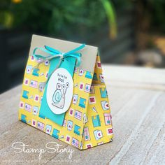 """See how to create this super easy gift bag. No cutting or gluing requred and it is a great size using just 1 sheet of 12 x 12"""" paper Simple Gifts, Easy Gifts, Outline Images, You've Got Mail, Shadow Box Frames, Glue Dots, Quick Cards, Snail Mail, Easy Projects"""