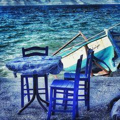 Biz seninle bir salkımın iki aşık üzümüyken Başka şişelerde şarap olmuşuz Başka hayatlarda harap olmuşuz Biz seninle bir denizin iki aşık balığı iken… Başka sularda yüzüp durmuşuz, başka kıyılara vurmuşuz... ☁⛵