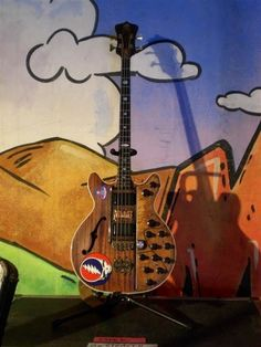 Phil Lesh's modified Guild Starfire bass.