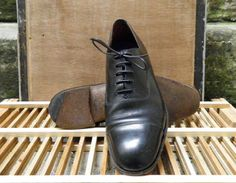 Vintage Ladys Black Leather Lace Up Oxford Shoes Size EUR 40 US W 9 - Etsy - $55.00 Sherlock Cosplay, Leather And Lace, Black Leather, Oxford Shoes, Dress Shoes, Lace Up, Trending Outfits, Unique Jewelry, Vintage