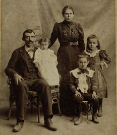 Antique Photograph Cabinet Card Family of 5 by Cottonridgevintage. 1890s.
