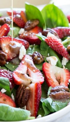 Strawberry Spinach Salad with Candied Pecans - so simple to make and pairs perfectly with just about anything!