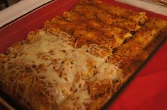 Weight Watchers Slow Cooker Jerk Chicken enchiladas   Points: 5 Weight Watchers PointsPlus Skinny Recipes, Ww Recipes, Lunch Recipes, Mexican Food Recipes, Mexican Dishes, Healthy Crockpot Recipes, Healthy Cooking, Slow Cooker Recipes, Fast Recipes