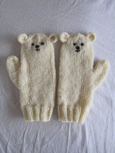 Polar bear mittens very soft pure wool. I love my mittens :) Knitting For Kids, Knitting Projects, Baby Knitting, Crochet Projects, Knit Mittens, Knitted Gloves, Baby Mittens, Wrist Warmers, Knit Or Crochet