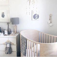 Loving the pops of gray in this neutral baby boy nursery. via @_honeypunch.