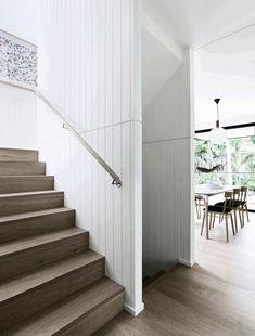 Modern Coastal House Nestled in the Lush Australian Rainforest 10