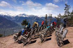 Wandern in Südtirol: Die besten Touren für Einsteiger Mount Everest, Abs, Mountains, Nature, Travel, Wanderlust, Furniture, Vacation Travel, Bike Trails
