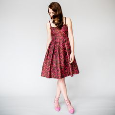 A Lifestyle Magazine for the Professional Woman Best Cocktail Dresses, Professional Women, Formal Dresses, Party Dresses, Cocktails, Zelda, Pink, How To Wear, Coffee Break