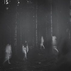 Atmospheric black and white portraits by Deborah Sheedy