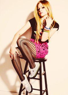 Avril has an awesome punk fashion sense<3