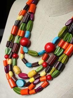 the kind of necklace kids love to play with!  Love the colors and shapes