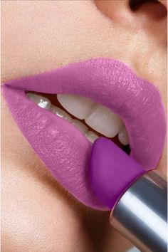 Batom - Introvert Lavanda - Faces with Stories Cosmetics Introvert, Faces, Lipstick, Cosmetics, Vegan, Beauty, Lipsticks, Finding Nemo, Moisturizer