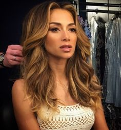 Jack Howard, International hair colourist, has been tipping tortoiseshell hair (Ecaille) as the technique to watch for 2015 and Nicole Scherzinger is the latest celeb to try the trend.