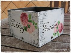 Con otro aire Pretty Storage Boxes, Vintage Crates, Shabby Chic Garden, Decoupage Box, Pretty Box, Wood Crates, Painting On Wood, Craft Projects, Decorative Boxes