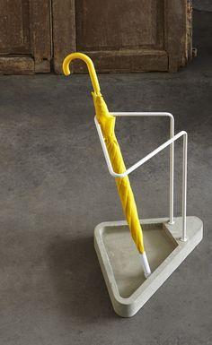 Waiting-umbrella-stand2